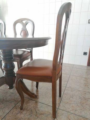Mesa oval sala de jantar