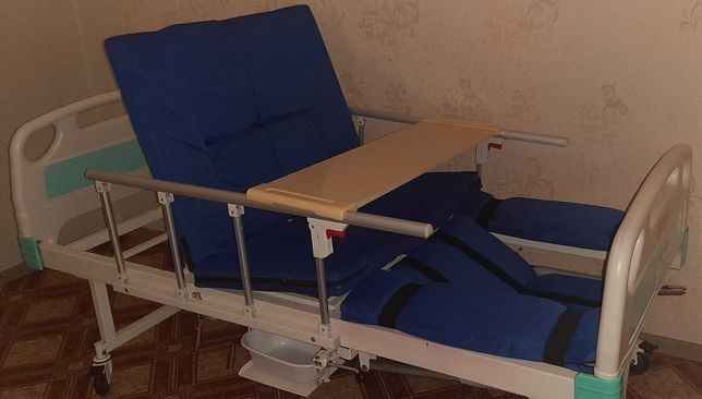 Кровать  медицинская  многофункциональная  с туалетом Е30 MIRID Б/у