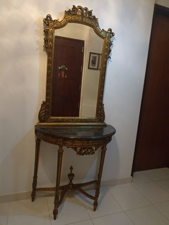Credência com espelho