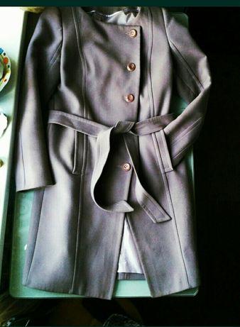 Фирменное драповое пальто ,, Victoria bloom,,