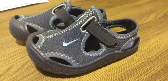 Sandałki chłopięce Nike 23