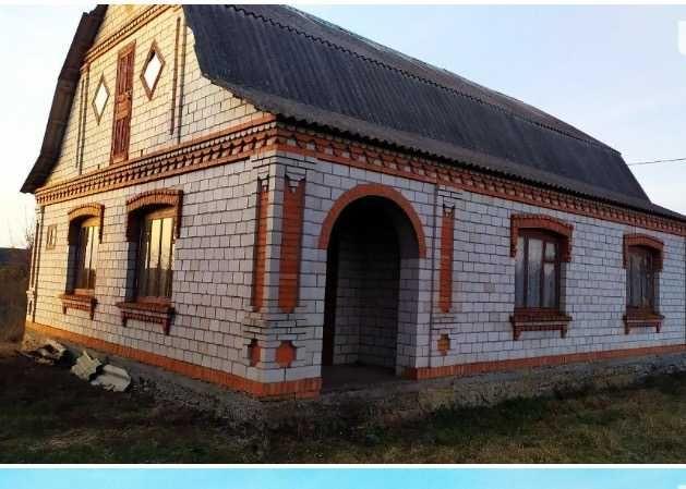 Продам будинок по вул.Новітній в смт.Літин Вінницької області