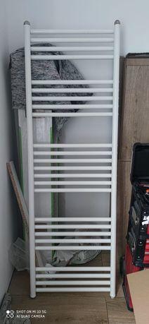 Grzejnik łazienkowy 150x48