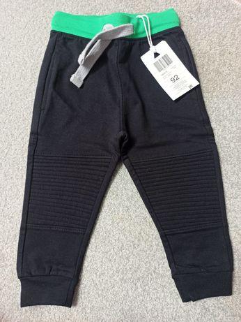 Nowe, z metką spodnie dresowe 5.10.15 92