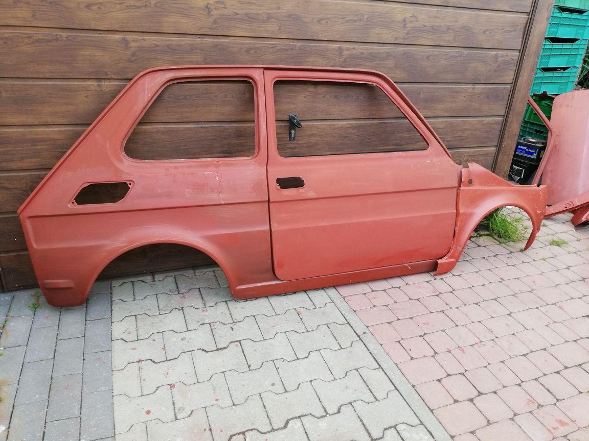 Fiat 126p bok prawy, poszycie drzwi prawe błotnik prawy