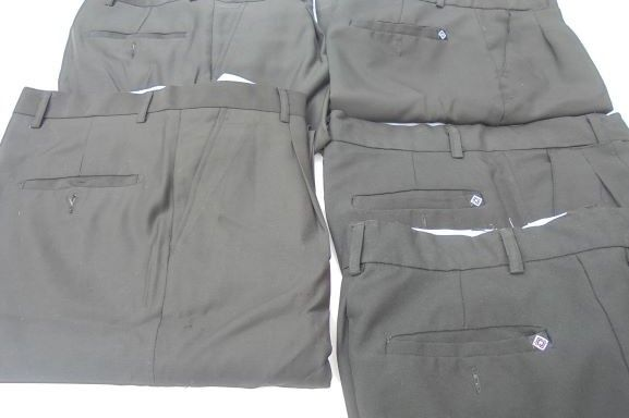 Cinco pares de calças pretas nº 40