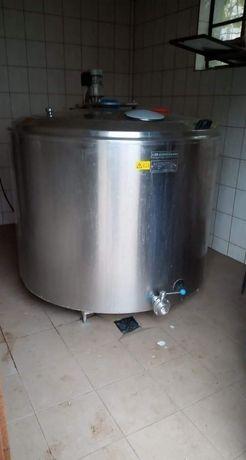 Chłodnia do mleka 1200l firmy eurotanks