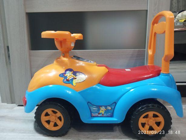 Дитяча машина    .