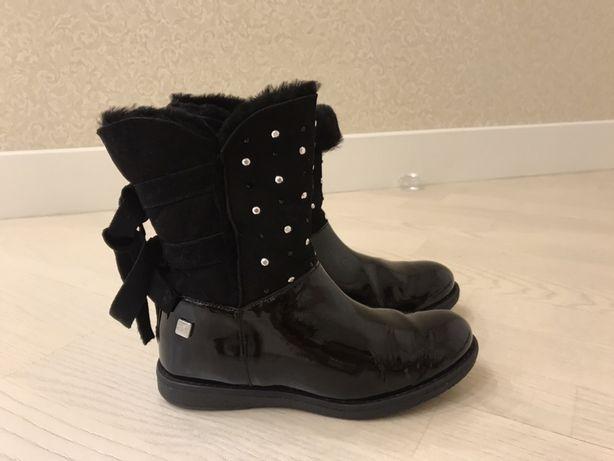 Продам ботинки Monnaliza зимние