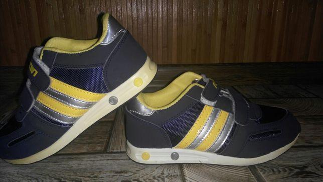 Кросівки 35 розмір Італія нові