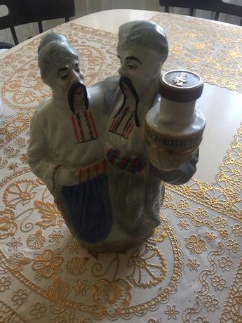 Фарфоровая бутылка Кумовья