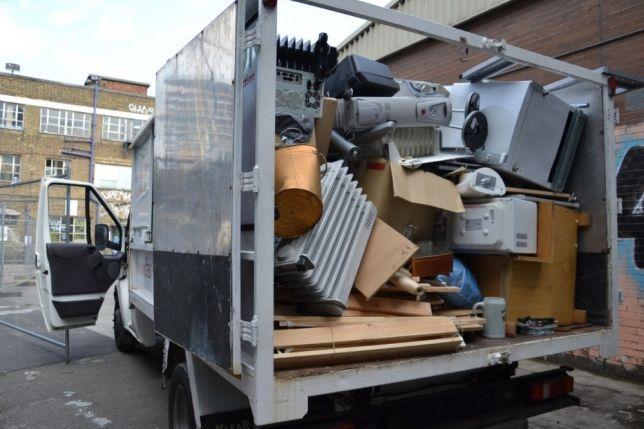 Вывоз мусора,хлама,грузчики с тачками инструмент,вынос260,газель200,5т