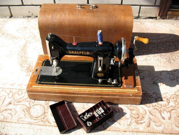 Продаю немецкую швейную машину SAALFELD