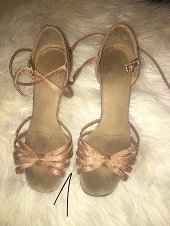 2 pary butów do la