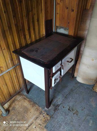 piec kuchenny węglowy. Sprawny