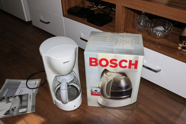 sprzedam nowy ekspres do kawy Bosch