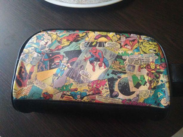 Мужская, для мальчика сумка косметичка Marvel comics