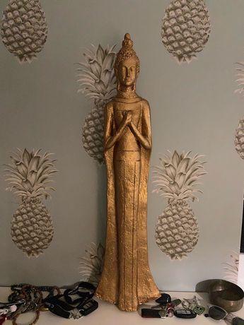 Estátua Buda dourada