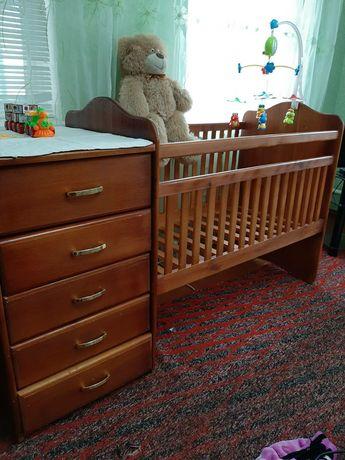 Продам детскую кроватку 2в1комод+кроватка