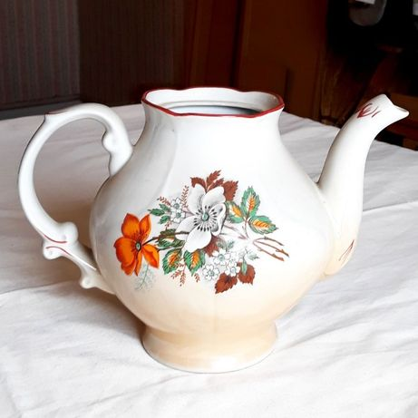 Большой чайник для чая с рисунком
