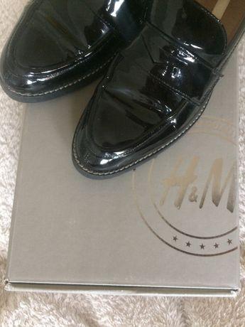 Czarne mokasyny/pantofle damskie skórzane H&M Premium