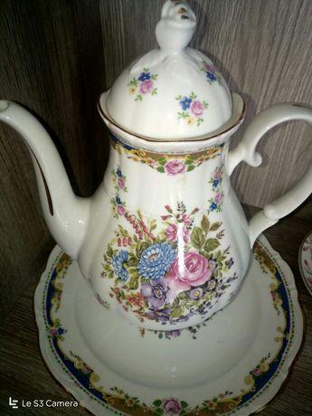 Conjunto de Bule e prato, em porcelana Limoges, como novo!
