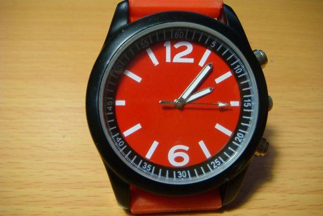 часы наручные с силиконовым ремешком