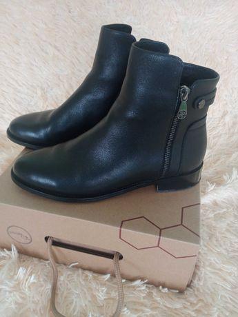 Продам новые демисезонные ботинки, по стельке 26,5 см!!!