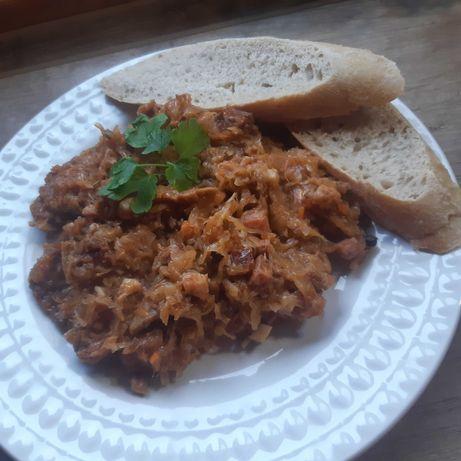 Bigos swojski domowy mięsny z borowikami