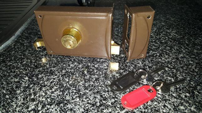 Fechadura direita teicocil com 2 chaves