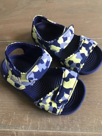 Sandałki adidas roz. 21 wkl. 13,8 cm