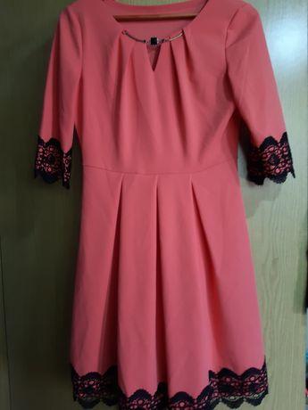 Нежно розавое платье