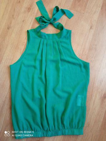 Блузка зеленая красивая