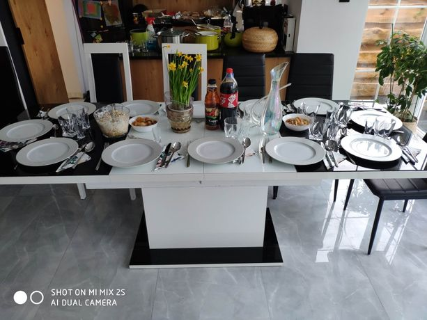Stół kuchenny szklany