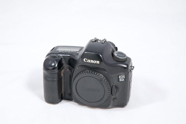 Aparat fotograficzny Canon EOS 5D + obiektyw + akcesoria + 2 karty CF