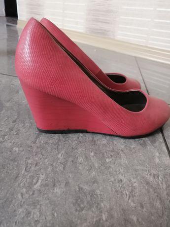 Туфли розовые 39 р.