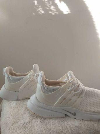 Buty sortowe Nike Presto