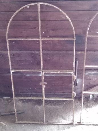 Okna metalowe z rozbiórki