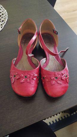 Lasocki czerwone sandały