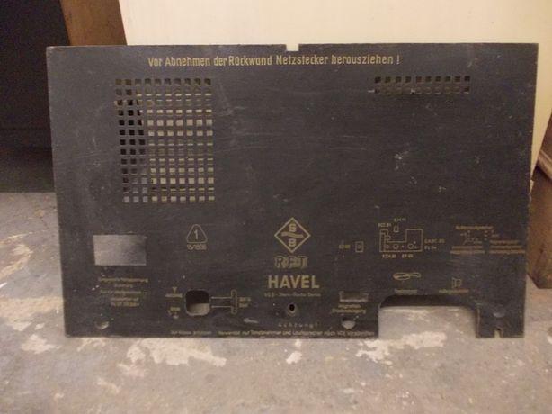 Tylna ścianka starego radia lampowego R.F.T. HAVEL