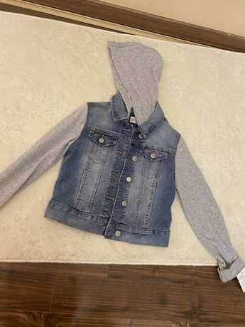 Джинсова куртка на весну