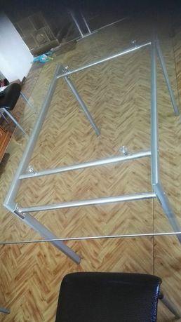 Duży stół szklany