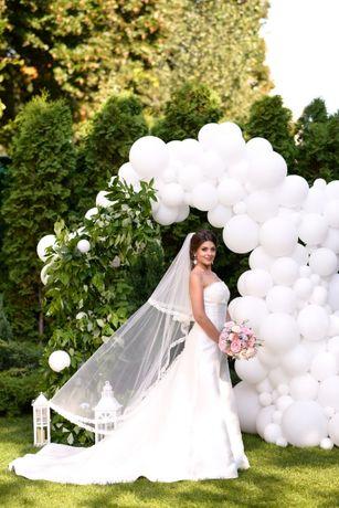 Свадебное платье со шлейфом атлас Pronovias Priscia. Весільна сукня.