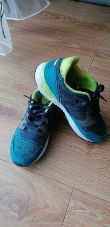 Buty sportowe dla chłopca r. 35