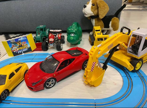ZESTAW samochody na baterie i inne koparka traktor pies interaktywny