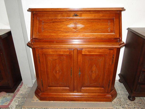Escrivaninha em madeira - óptimo estado