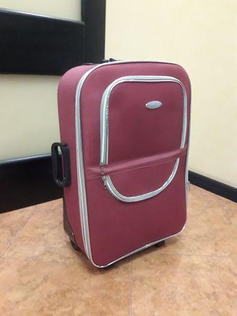 Дорожный чемодан средний Laguna