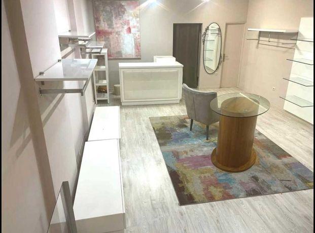 Mobiliário loja de vestuário