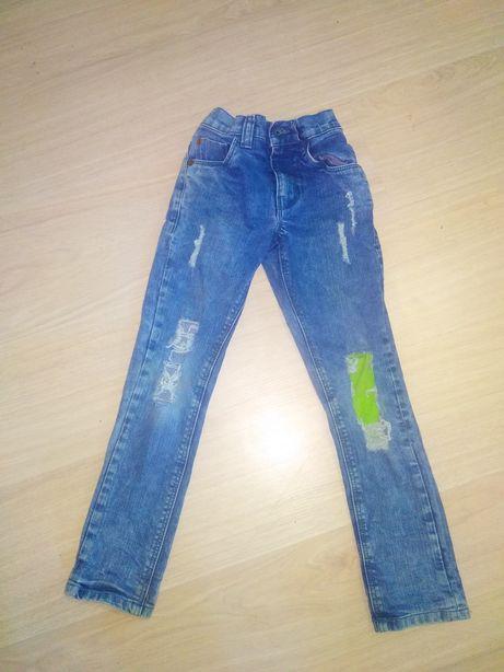 Рваные джинсы на мальчика, 4-5 лет