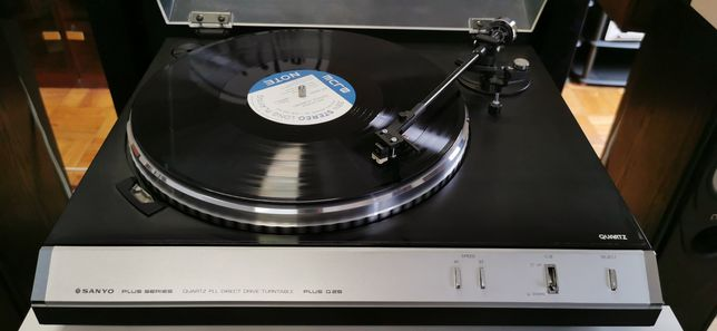 Gira discos Sanyo Plus Q25